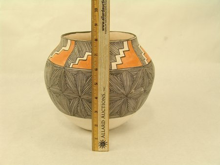 Acoma Pottery Jar - Mrs. R.T. Shroulate - 3