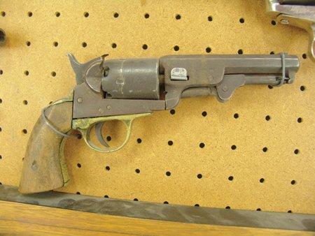 Antique Pistol Display - 8