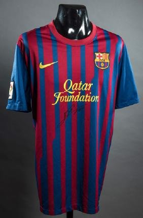 Lionel Messi signed replica Barcelona jersey from his
