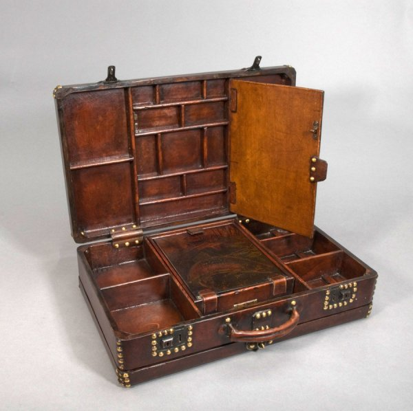 4: A vintage gentleman's fishing carrying case, the lea