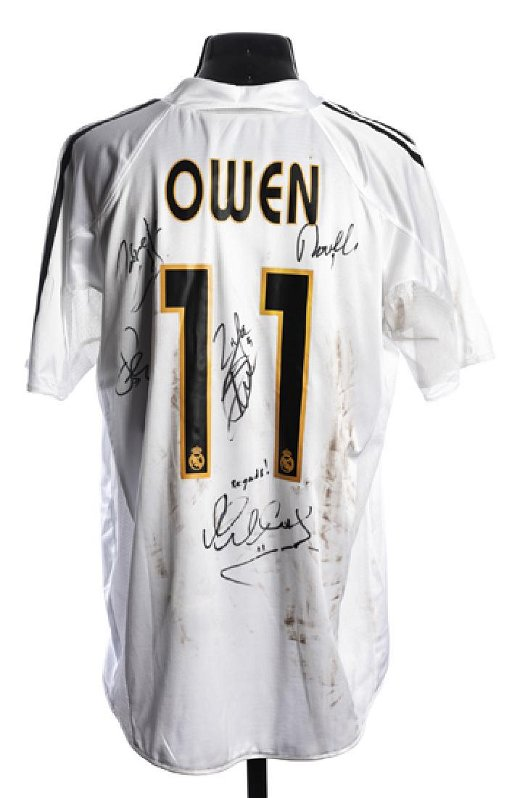online retailer 5a618 fdf29 Michael Owen: signed white Real Madrid No.11 jersey