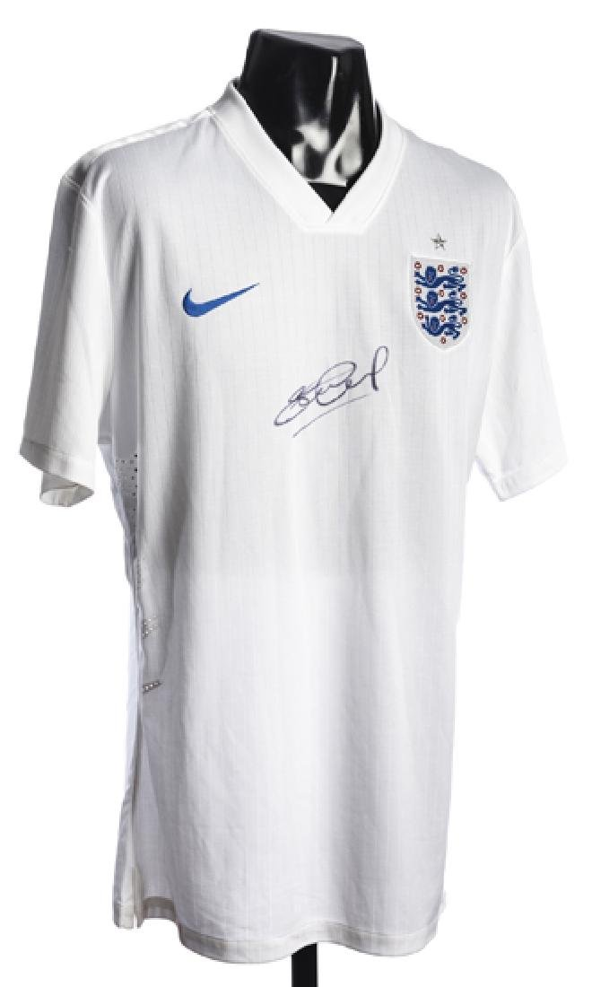 Steven Gerrard signed England replica jersy, signed in