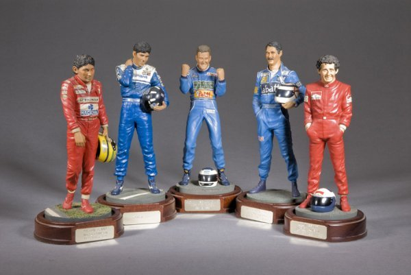 22: Five limited edition figurines of racing drivers, s