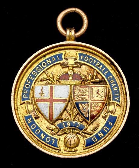 472: A 9ct. gold & enamel London Football Association P