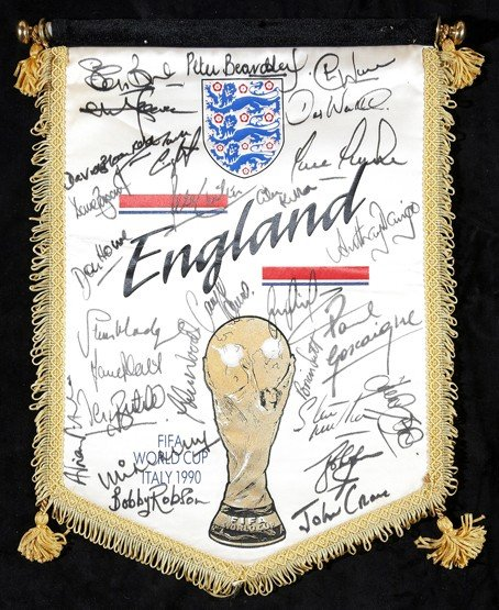 552: A squad-signed official England 1990 World Cup pen
