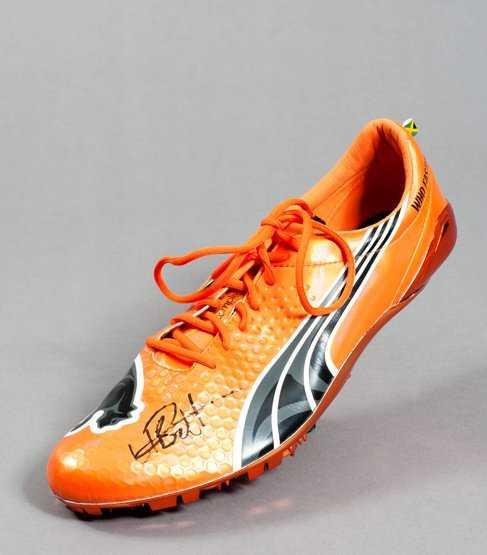 590  A signed Usain Bolt track spike 4c91a3188