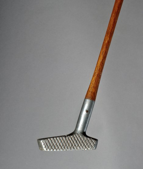 335: A Schenectady putter, the sole of the aluminium he