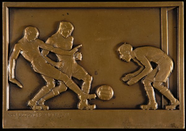 424: A fine French bronze football plaquette dated 1931