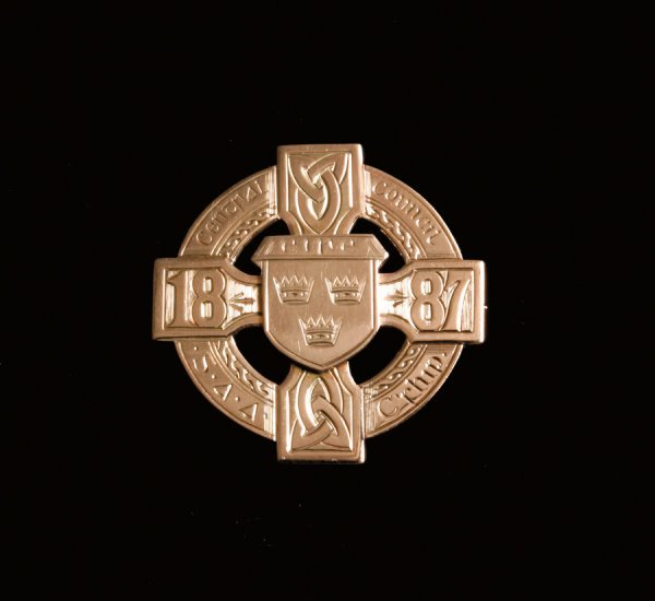 435: Gaelic Football: a 9ct. gold winner's medal from t
