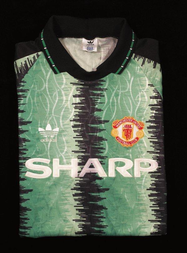 473: Peter Schmeichel: a green Manchester United goalke