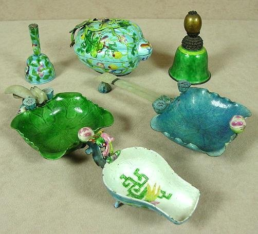 6: LOT OF SIX CHINESE ENAMEL ITEMS