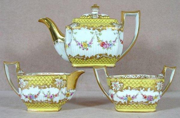 19: DRESDEN PORCELAIN TEA SET
