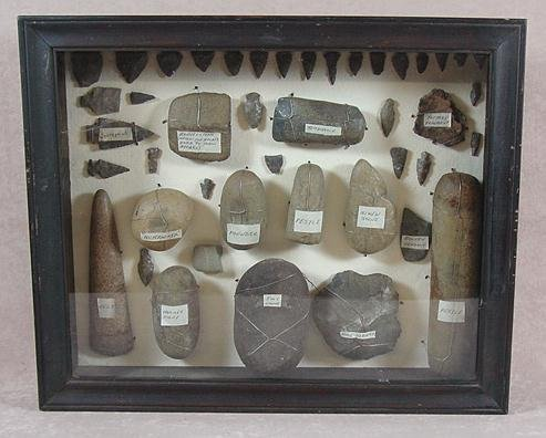301: AMERICAN INDIAN ARROWHEADS, SPEAR POINT, ECT