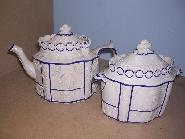 7: A CASTLEFORD TYPE TEA POT + SUGAR