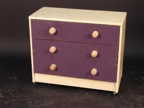 687: A MODERN PAINTED CHEST OF THREE DRAWERS