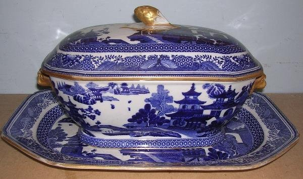 12: SPODE TUREEN COVER AND STAND