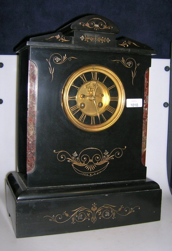 1010: A VICTORIAN BLACK MARBLE MANTEL CLOCK
