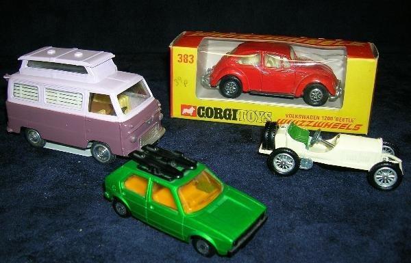 2006: CORGI 420 AIRBORNE CARAVAN (LILAC 2 TONE), 383 VW