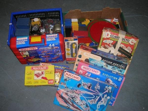 2227: VARIOUS MODERN MECCANO CONSTRUCTION SETS, BOXED