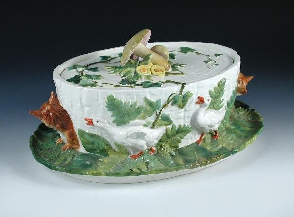 7: A MINTON MAJOLICA GAME PIE DISH AND COVER,
