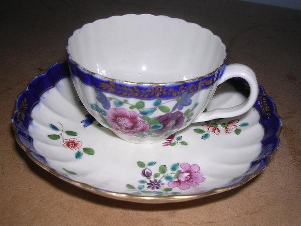 28: WORCESTER CUP AND SAUCER