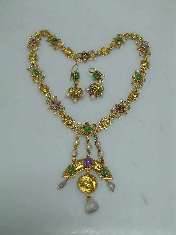 152: INDIAN NECKLANCE AND EARRINGS, CASED