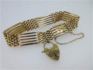 A gatelink bracelet