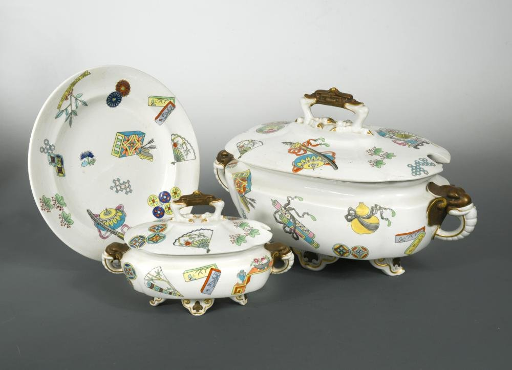 A Royal Worcester Aesthetic Movement part dinner