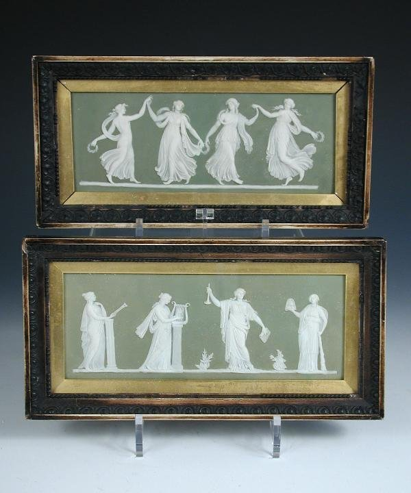4: A PR OF WEDGWOOD PLAQUES
