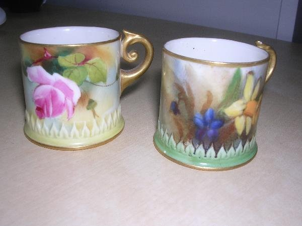28: TWO WORCESTER MINIATURE MUGS