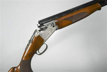 Browning, a 525 12 bore over/under boxlock ejector gun,