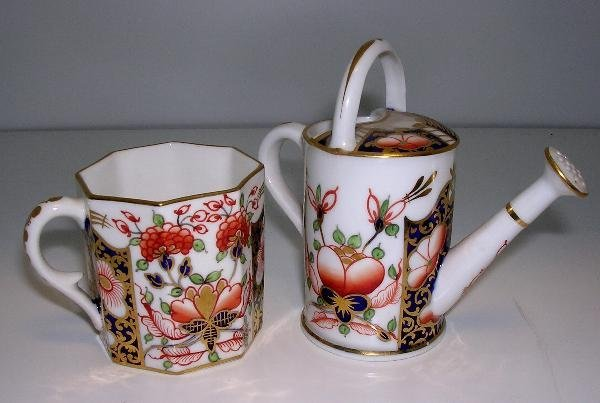 27: TWO SMALL PIECES OF DERBY IMARI