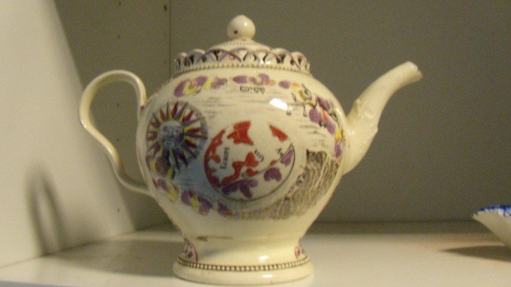 A William Greatbatch tea pot and cover - 2