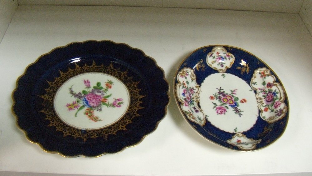 A late 18th century Worcester plate and an oval dish,