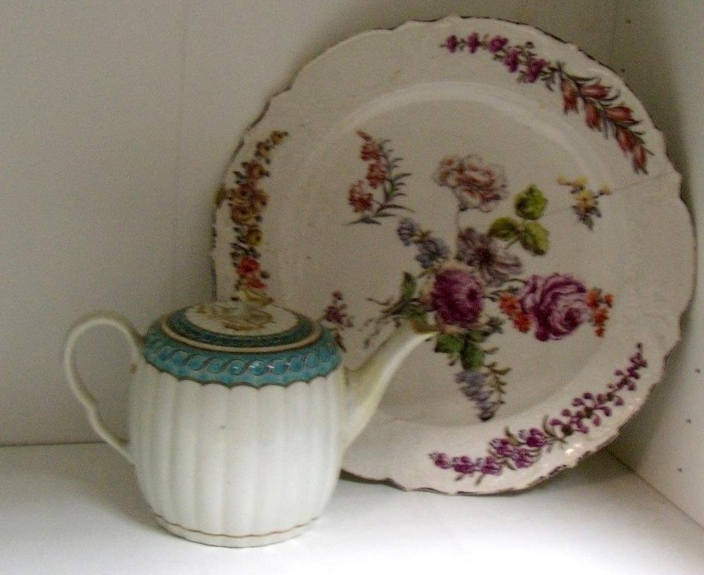 A Red Anchor Chelsea dish and Worcester tea pot and