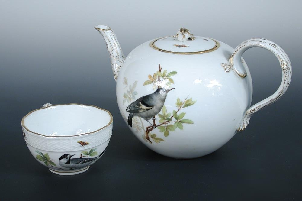 A collection of Meissen tea and dinner wares,