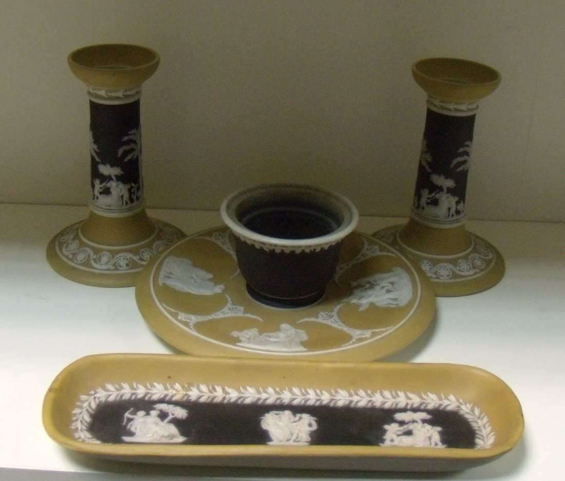 A late 19th/early 20th century Wedgwood jasper four