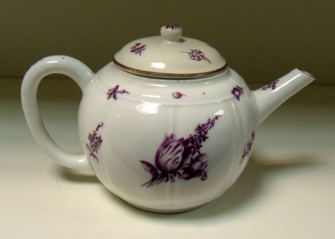 An 18th century Meissen tea pot and cover,