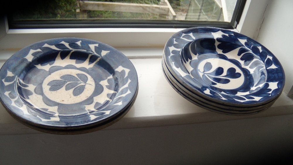 Norman Frank, Bayswater', six blue and white plates,