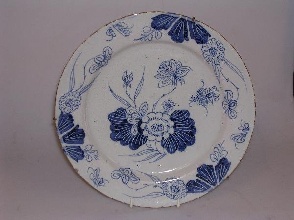 7: An English Delft blue and white plate