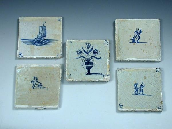 10: 29 early 19th century Delft blue and white tiles