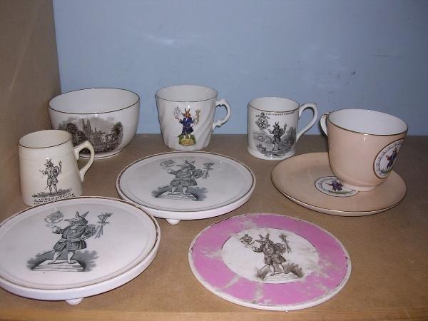 21: Eight Trusty Servant tea wares
