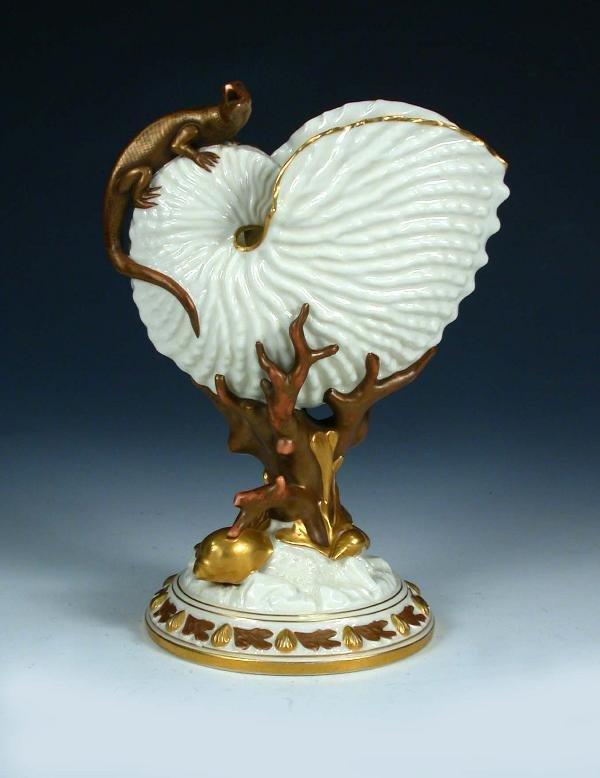 28: A Royal Worcester nautilus vase