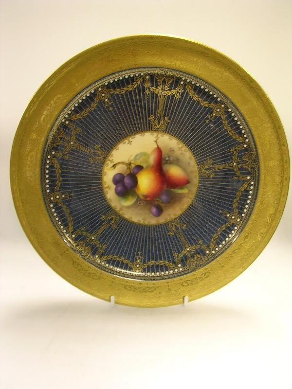 29: A Royal Worcester dessert plate