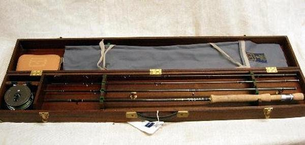 515: A HARDY ULTRALITE TRAVEL ROD, 10FT, #7 LINE, AS