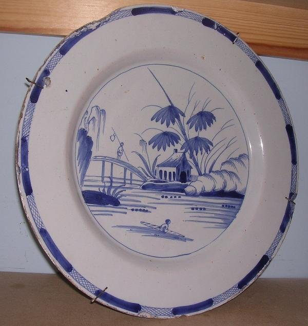 5: A LARGE DELFT CHARGER