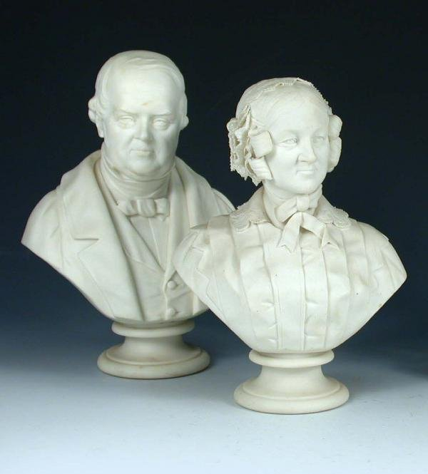 25: A PAIR OF WORCESTER BUSTS
