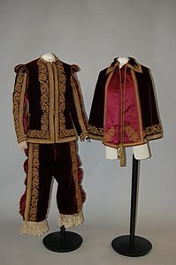 1015: A burgundy velvet fancy dress outfit, late 19th c