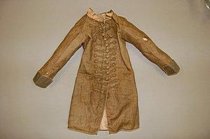 113: A rare infant's brown linen frock coat, circa 1780 - 2