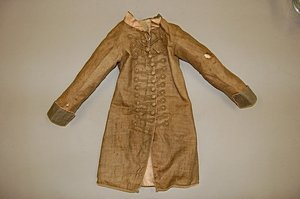 113: A rare infant's brown linen frock coat, circa 1780 - 2